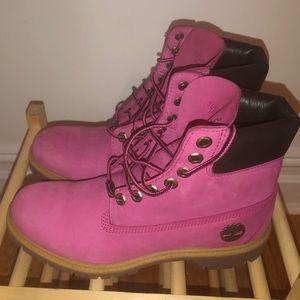 Pink Timberlands 💕